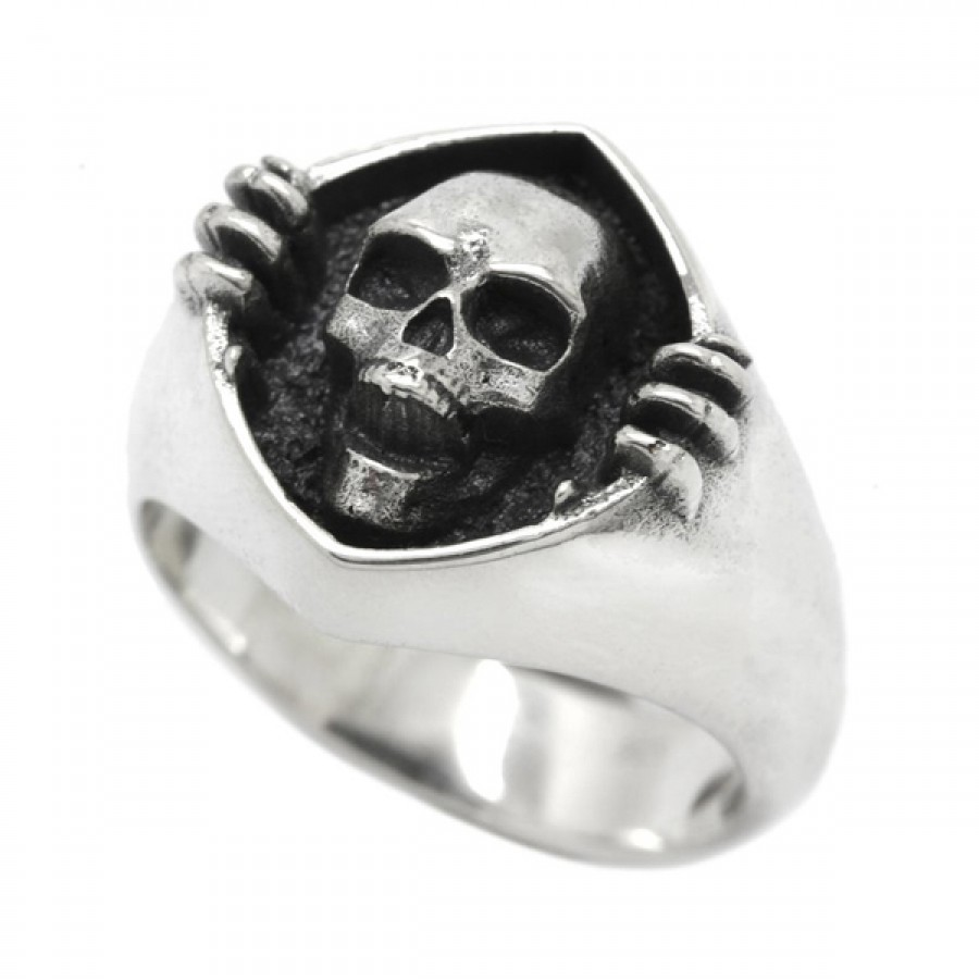 """Ring """"Skull and Darkness"""""""