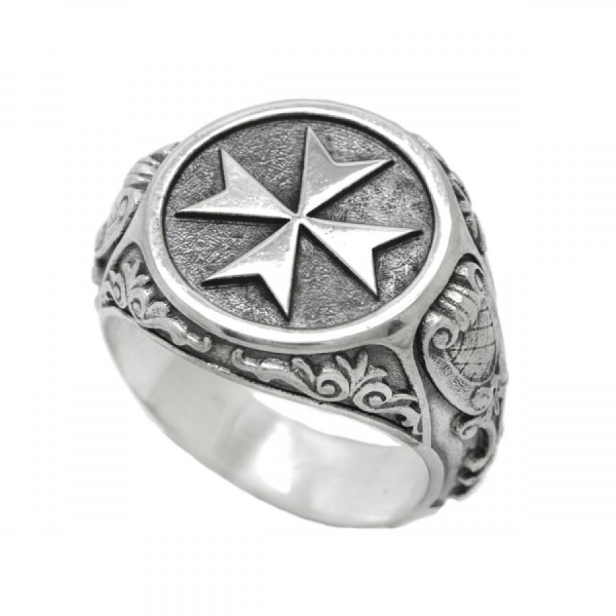 """Ring """"Maltese cross"""""""
