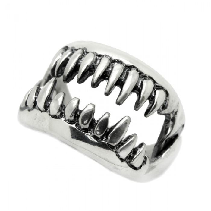 "Ring  ""Jaws"""