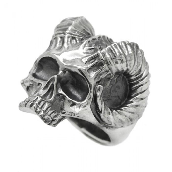 "Ring  ""Devil Skull"""